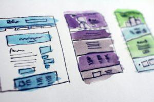 WEBサイトの構成イメージをスケッチしている画像
