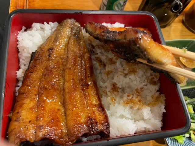 美味しそうな鰻の写真