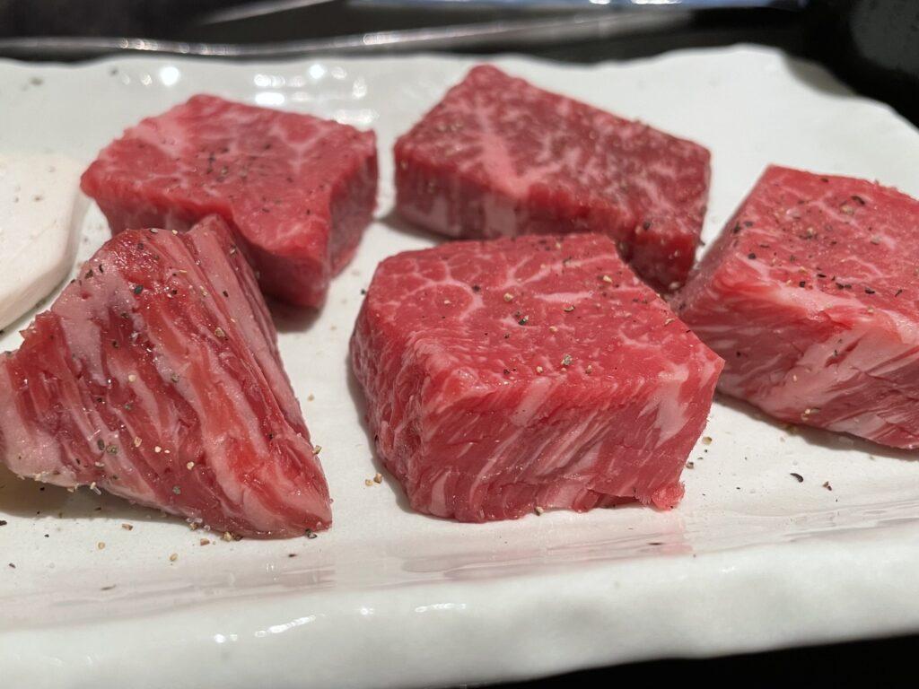 美味しそうな肉の写真