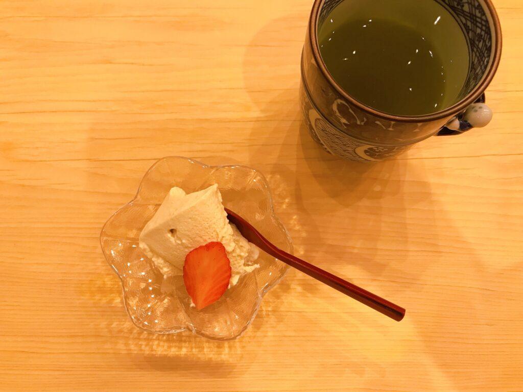 長野県松本市の寿司屋いぬかいの美味しそうなデザートの写真