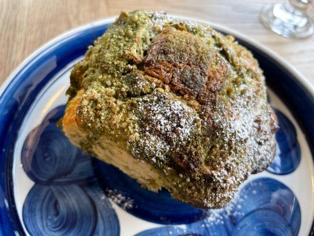 松本市の喫茶店アミジョクのマフィンの写真